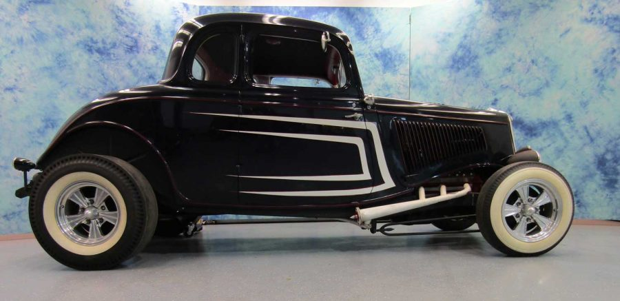 1934 FORD DELUXE 5 WINDOW 1684539C