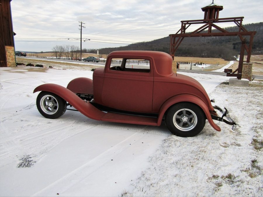 1932 FORD 5 WINDOW 121510